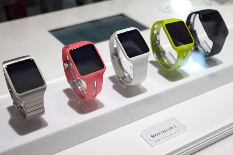 De las marcas de smartwatch, Sony ofrece variedad de colores.